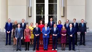 20171026 Bordesfoto kabinet-Rutte-III